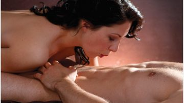 365 Sex Thrills Positions, Tricks and Techniques, chapter # 302: Blow-by-blow