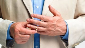 Married people reveal shocking reasons they take off their wedding rings