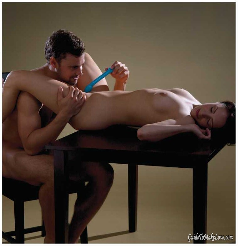 365 Sex Thrills Positions, Tricks and Techniques, chapter # 115: On The Side