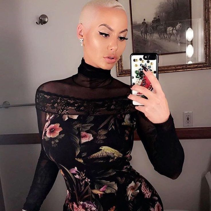 5 things Amber Rose taught us about Instagram with her slightly bonkers selfie spree