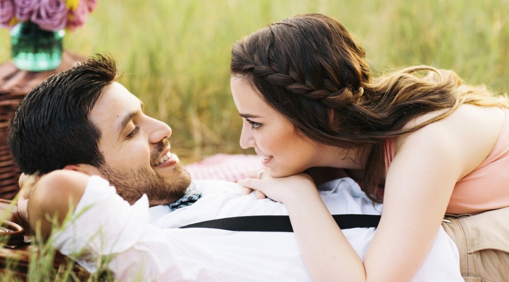 7 Regular Things That Happy Couples Do Together