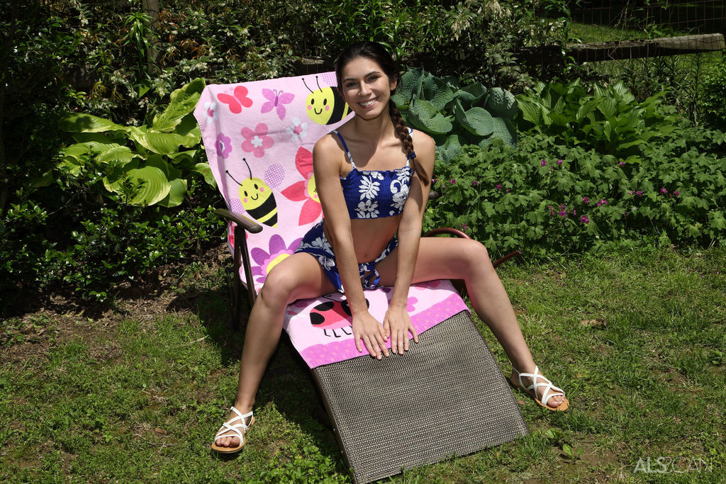 ALS Scan - Gianna Gem in Blooming Beauty