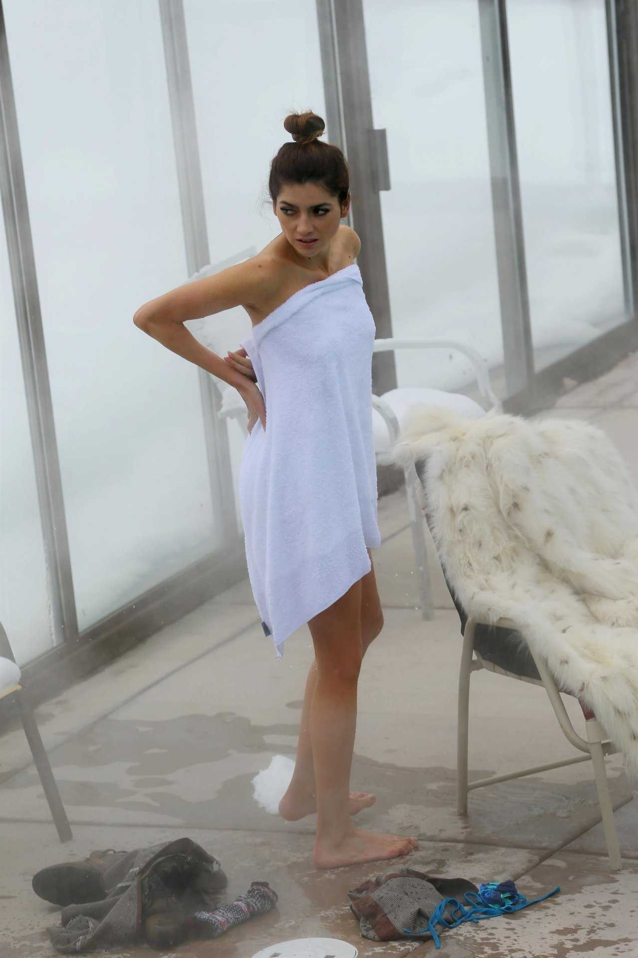 Blanca Blanco Booty in a Pool in Park City