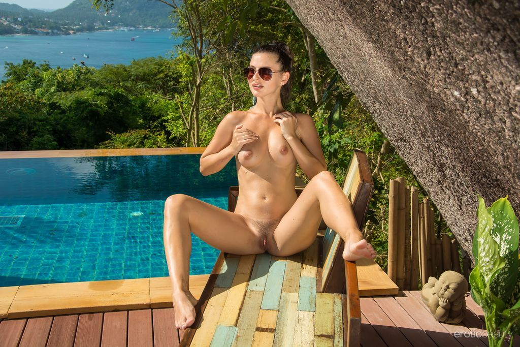 Erotic Beauty - Jazz in By The Pool