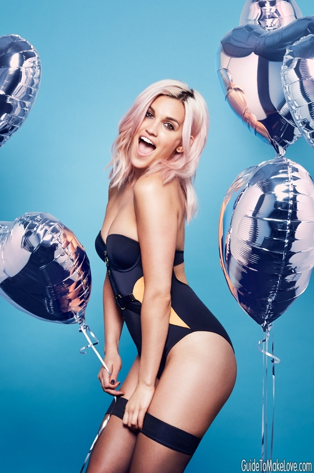 Former Pussycat Doll Ashley Roberts is your sexy Saturday night telly crush