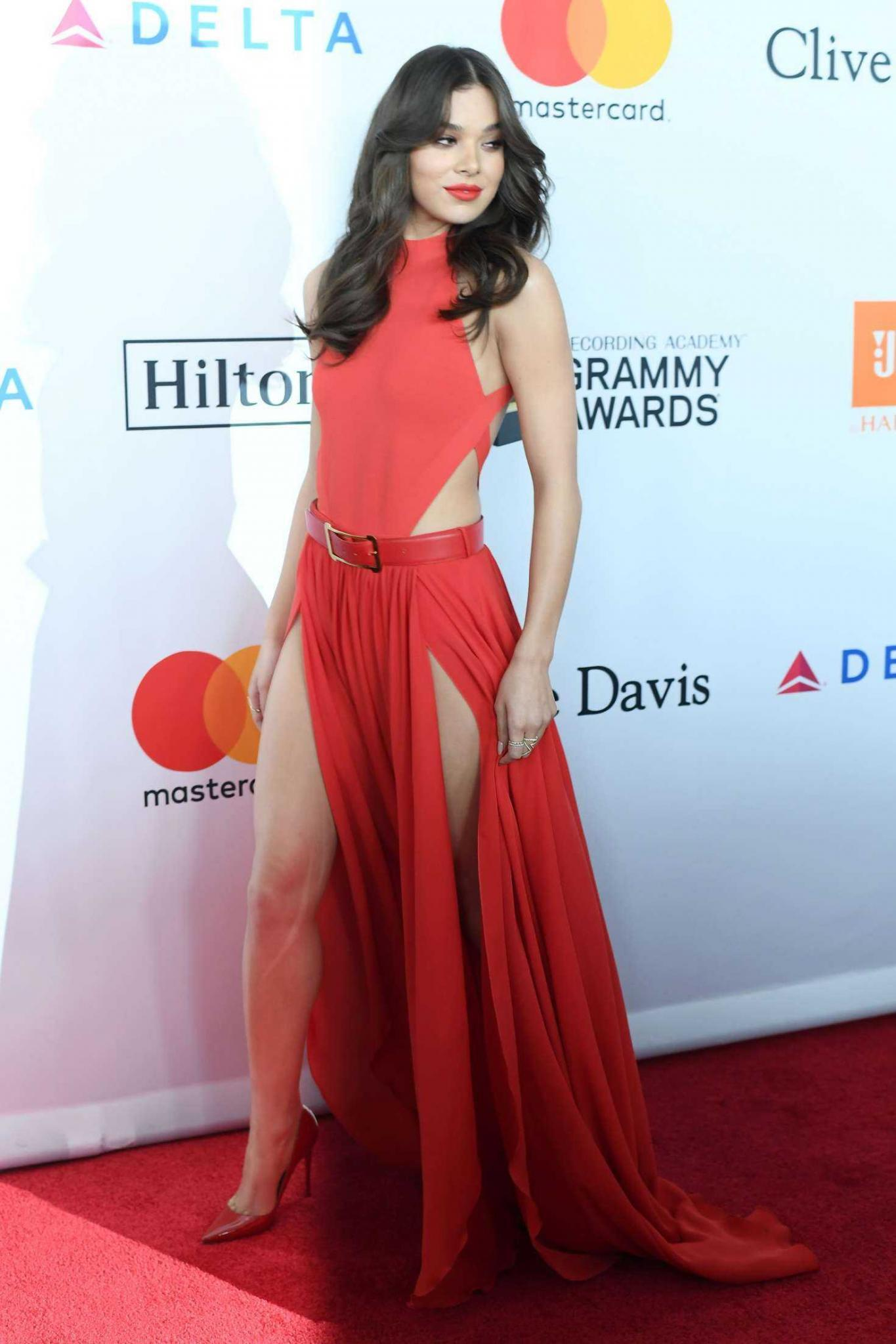 Hailee Steinfeld at 2018 Pre-Grammy Gala and Salute to Industry Icons with Clive Davis in NY