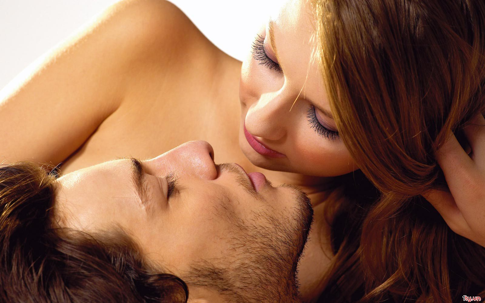 Ladies, 6 Things You Need To Tell Your Man When He's Naked