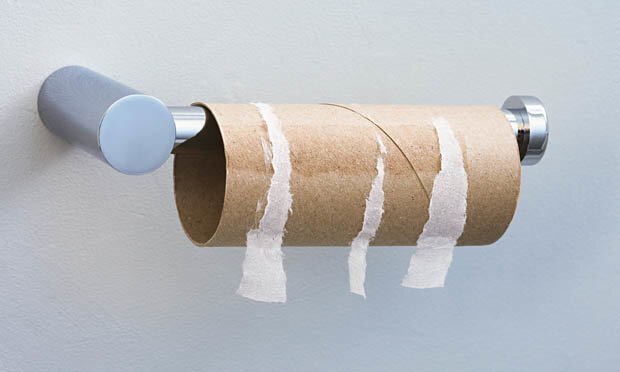 Men are measuring their penises with TOILET ROLL tubes in bizarre new trend