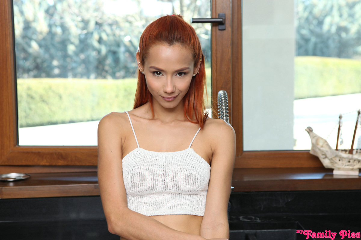MyFamilyPies.com - Veronica Leal: Ive Always Wanted A Step Brother - S14:E1